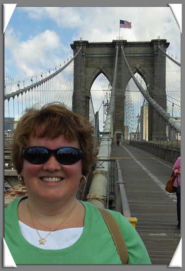Karen Commins at Brooklyn Bridge 7-4-09.jpg