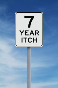 street sign that says 7 year itch